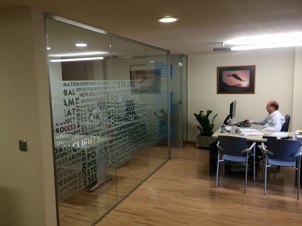 Seeglass fix venku for Cubiculos para oficina